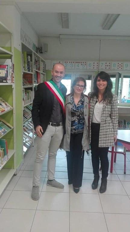 Nella foto da sinistra il Sindaco di Zola Predosa Davide Dall'Omo, la Dirigente scolastica Tania Gamba e la Presidente del Consiglio comunale Lidia Pischedda.