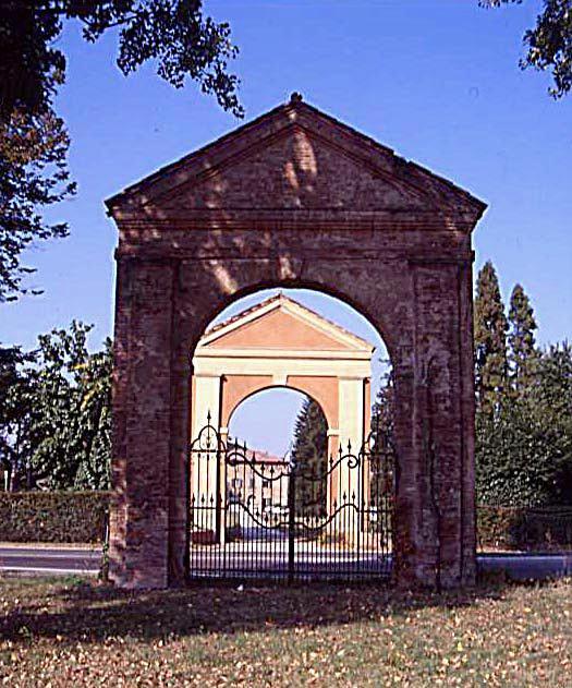 Portoni Rossi